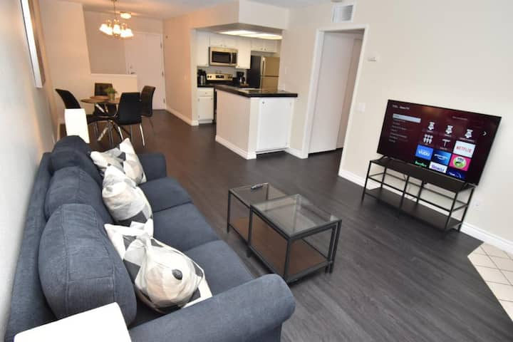 Spacious Apartment, Heart of Gaslamp, Downtown