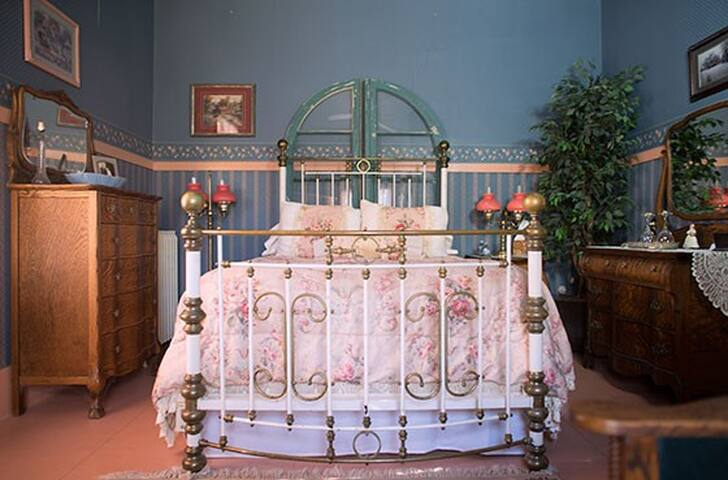 Florence Rose Guesthouse/ The Asbury Room
