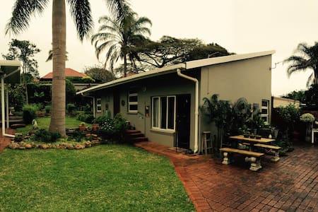 Spacious Garden Cottage - Berea