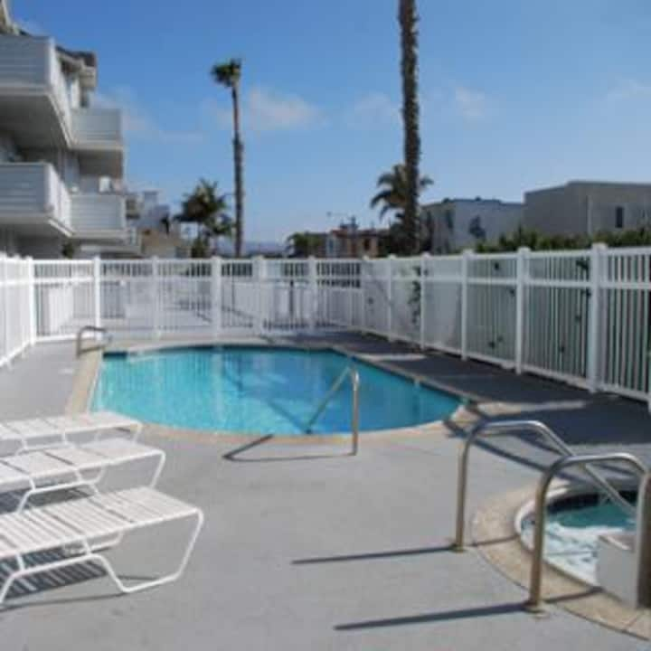 Beautiful Beach Condo in Hermosa