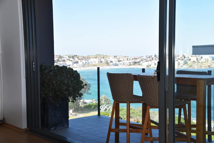 STYLISH Spacious 1Bedroom Apt view of Bondi Beach⛱
