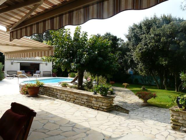 villa avec piscine privée - Montaud - Hus