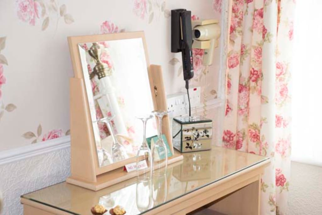 tilt & turn mirror, hair straighteners & hair dryer
