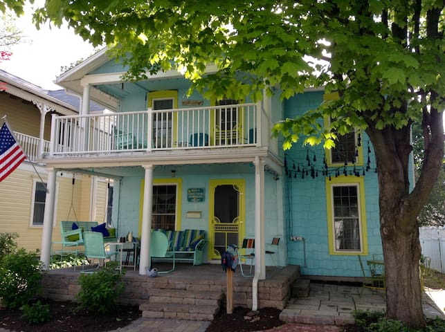 Adorable Lakeside Chautauqua Cottage sleeps 8! - Lakeside Marblehead - Dům