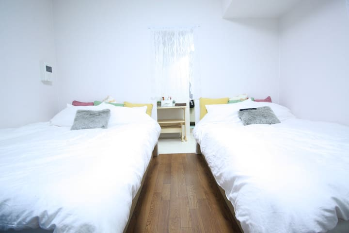 Designer double bed apt ShinsaiBashSta for 4 ppl - Chūō-ku, Ōsaka-shi - Leilighet