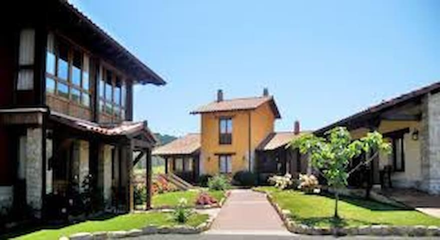 Self-catering Rural Apartment in Eastern Asturias - Llames de Parres - Townhouse