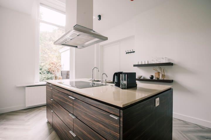 Stadsvilla Tilburg  luxe  5 sterren appartement  Wilhelmina