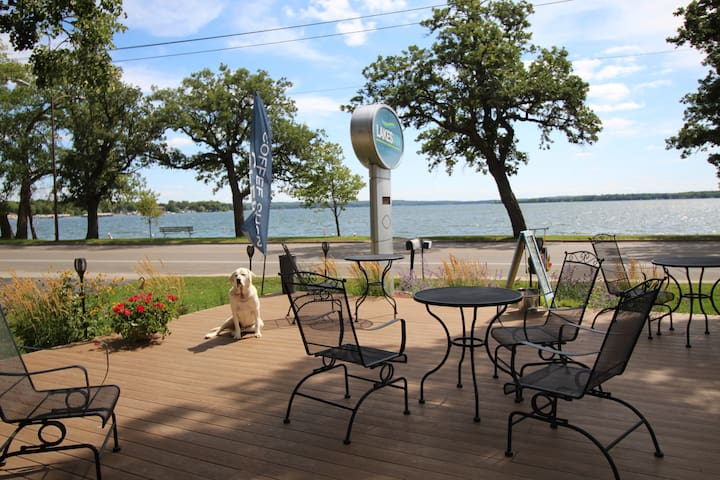 Lakes Inn,  On Detroit Lakes