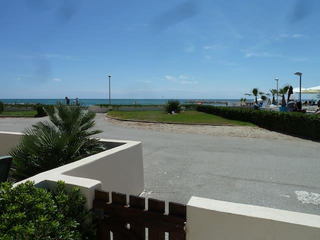 Studio cabine accès direct plage