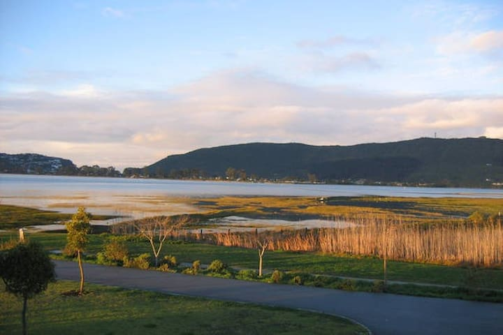 Safe Beautiful Marina/Bird Sanctuary, Views!! - Knysna