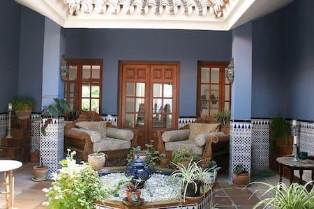 Moroccan Style Finca with Patio - Alhaurín el Grande - Villa