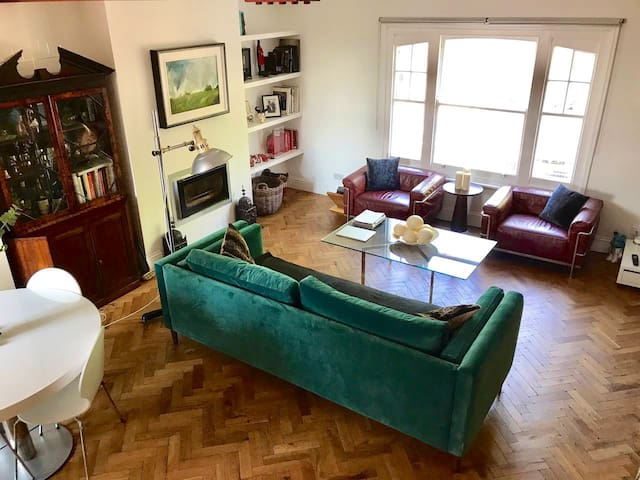 Glorious one bed in Parsons Green