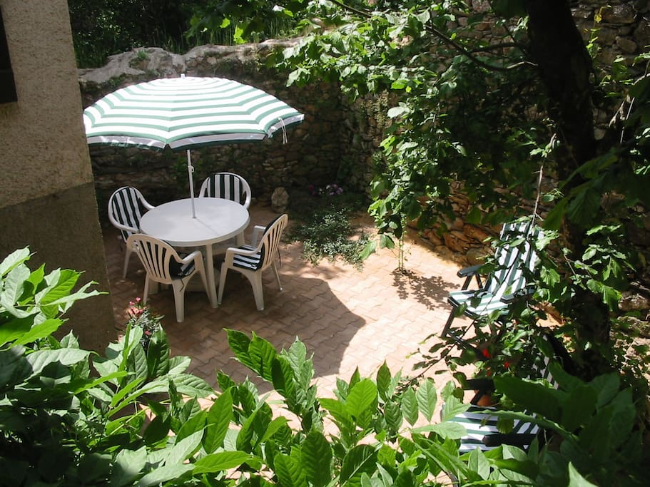 Sunken Courtyard Garden