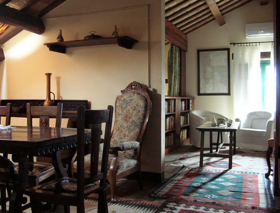 Zona pranzo loft Ponente