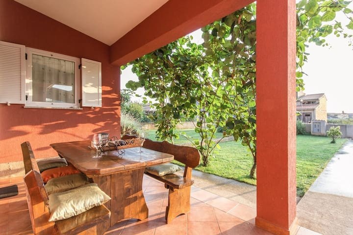 Villa with private pool for 12guest - Fažana - Ev