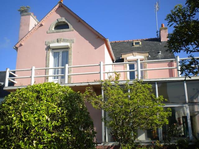 Grande maison année 30 vue sur mer - Guilvinec - House