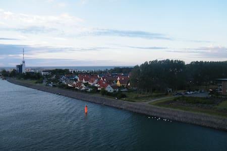 FeWo am Yachthafen - Rostock - Pis