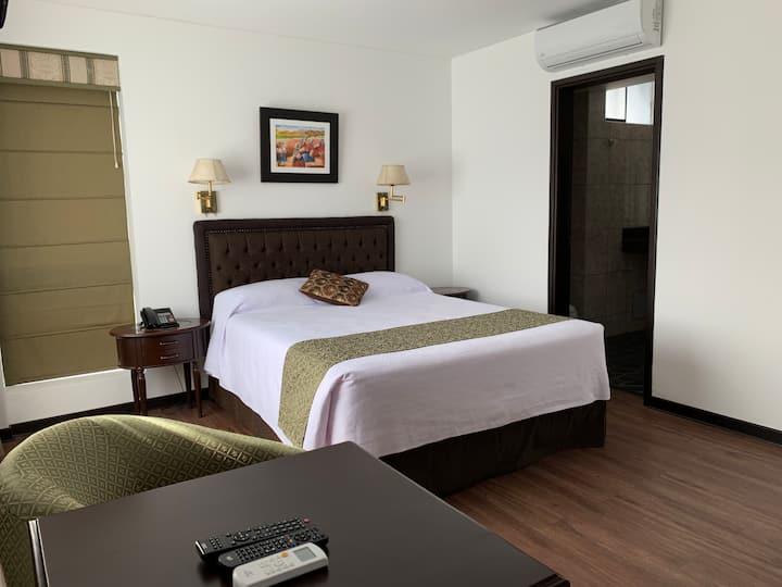 HOTEL EN MIRAFLORES