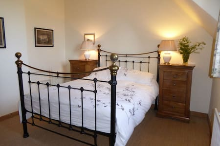 Double ensuite room near Chichester - Bed & Breakfast