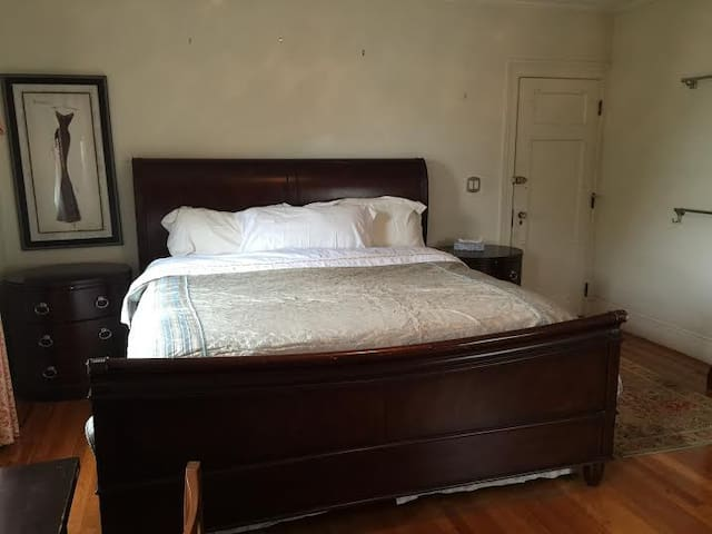 High Quality King Bed