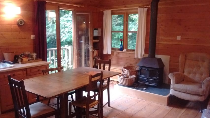 Self-contained Wood Cabin with private garden.