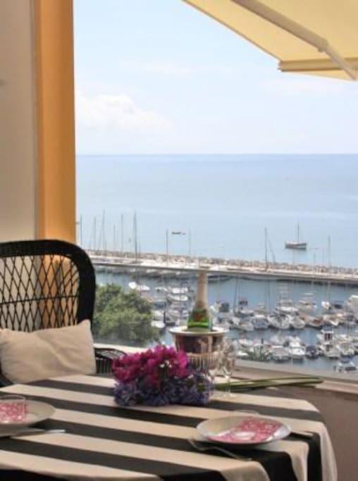 Great apartment w balcony w stunning view marina for Katzennetz balkon mit alfamar algarve gardens apartments