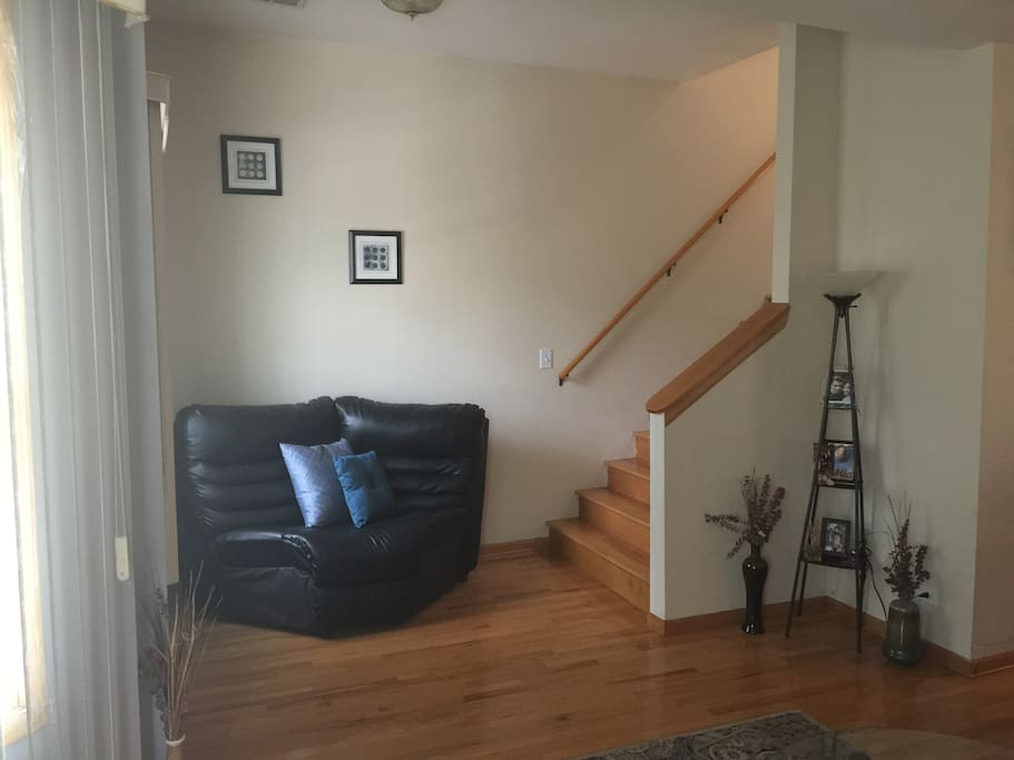 Sitting area, stairs to 2nd Floor