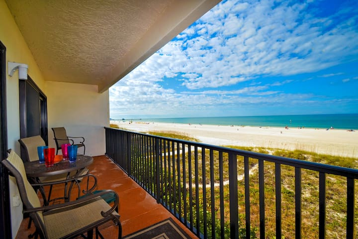 Surfside Condos 303, Clearwater Bea - Clearwater - Apartment