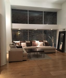 Luxury Loft in the Heart of the City! - Columbus