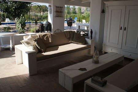 Casita Vintage Style Double Room - Las Virtudes