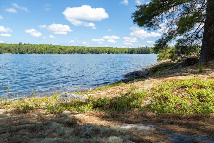 Sunset Lodge is a WNW facing family friendly cottage with unforgettable sunsets!