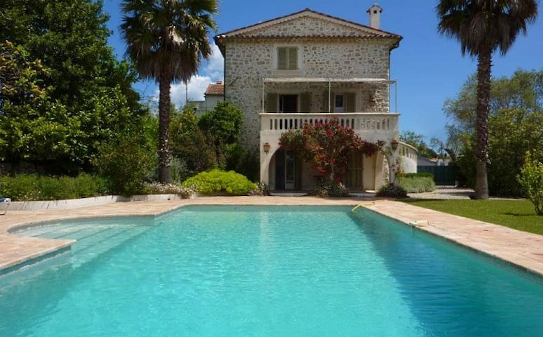 Gorgeous private villa, with pool . - Mougins - Huis