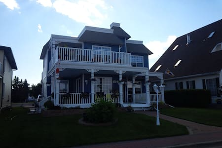 Edgewater Cottage & Suites 1bdrm