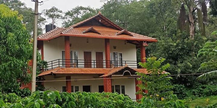 Kotekad Estate stay