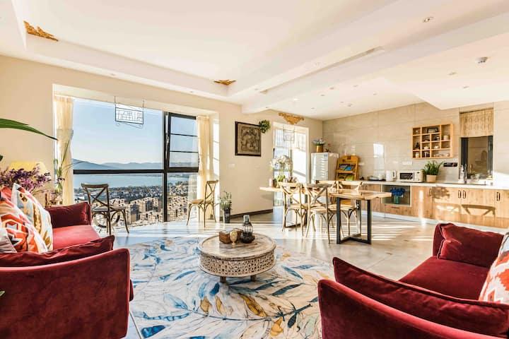 能在客厅看滇池也能做饭的复式三居室