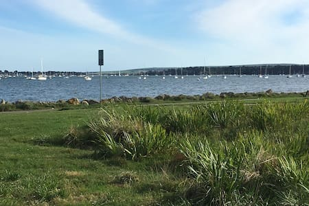 On Harbourside Park, 5 minutes from Poole Quay - Huis