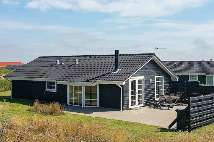 Entising Holiday Home in Løkken with Sauna