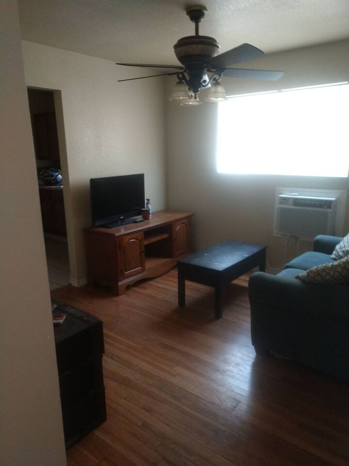 1/1 fully furnished apartment