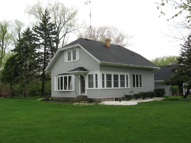 Point Comfort Lake Cottage - Oshkosh - Huis