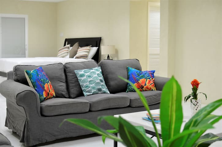 Attached Master en suite - Bedroom 4 Additional room