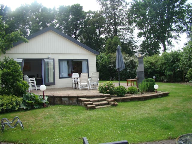 Nice holidayhouse 5 bed 3 rooms near Golf course