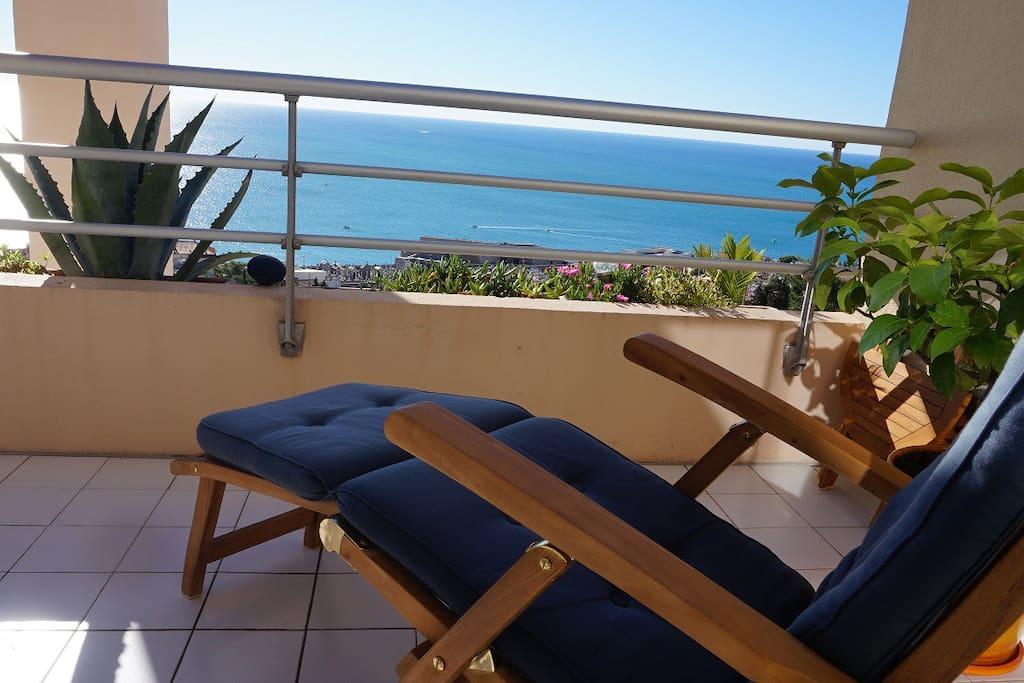 La terrasse - côté bains de soleil