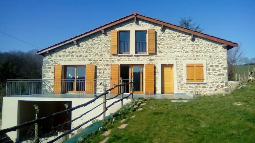 maison a la campagne entre Lyon et Saint Etienne