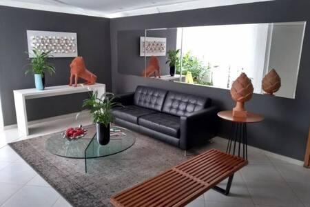 Casa Amarela: conforto e boa localização? Temos!
