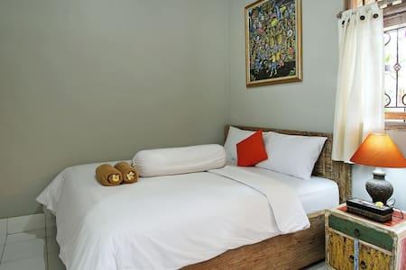Samblung Mas House / Room 3 Uling Kaja - Denpasar - Ház