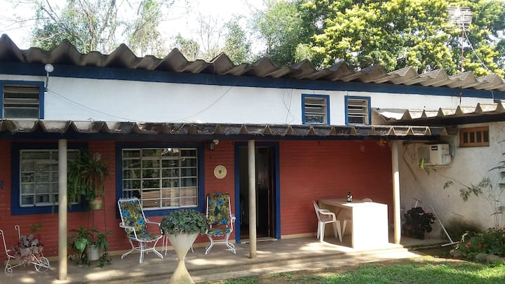 Casa com dois quartos em Penedo, no centro