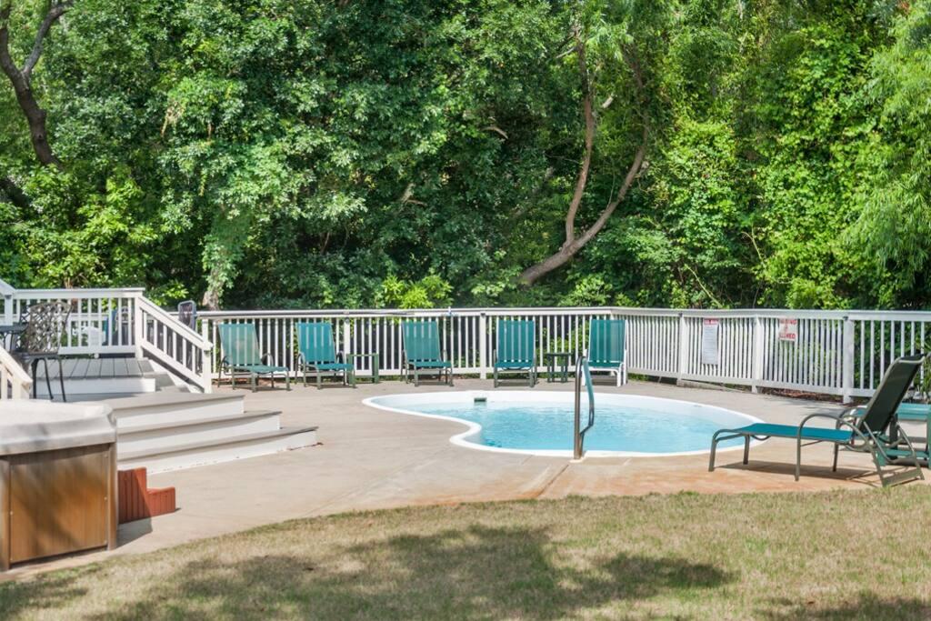 CC107: Living The Dream | Pool Area