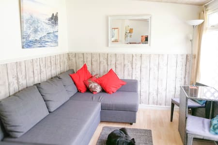 Cosy Chalet 38, Beautiful Location, explore Gower