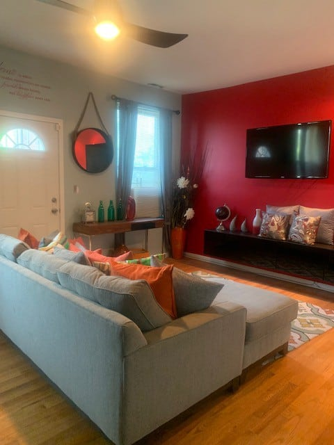 Modern 2 BR Condo minutes from Beach & Museums
