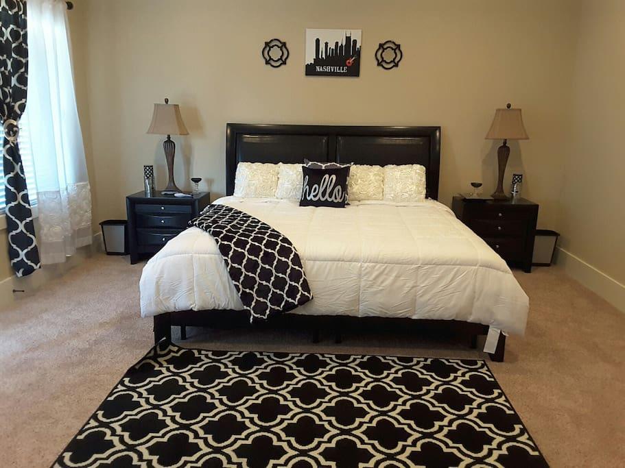 Master bedroom (BR 1)